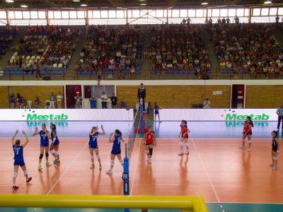 La Nazionale di Pallavolo femminile Greca usa Meetab