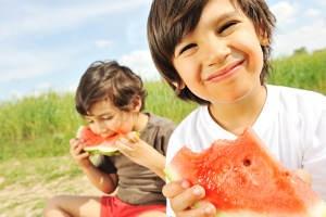 bambini e frutta1