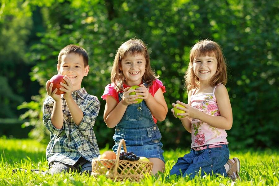 bambini mangiare sano